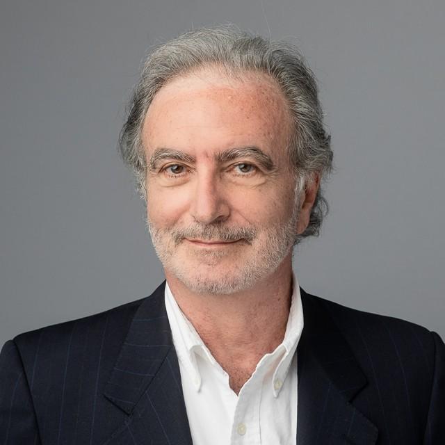 Studio LinkedIn Headshot Profile Photo plain background